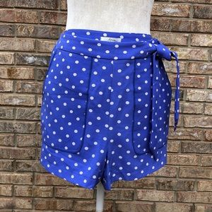 Soprano periwinkle/white dots shorts, Sz L, NWT